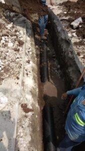 Hidrosistema de Córdoba construye descarga sanitaria en avenida 13 calles 39 y 41, Colonia Pino Suárez. Tu #PagoAnticipado2021 ayuda a mejorar nuestros servicios. #CuidaElAgua